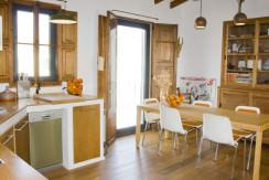 unique villas mallorca apartment for sale in Establiments dining area