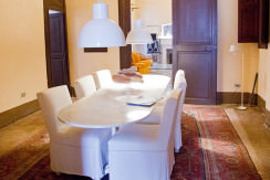 unique villas mallorca charming duplex apartment for Sale in Old Town Palma dining room