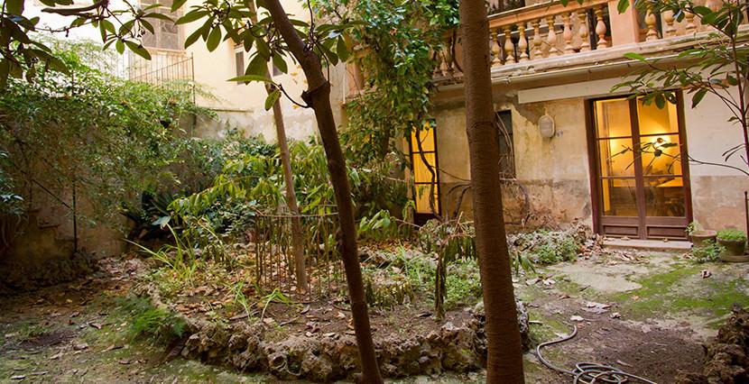 unique villas mallorca charming duplex apartment for Sale in Old Town Palma garden