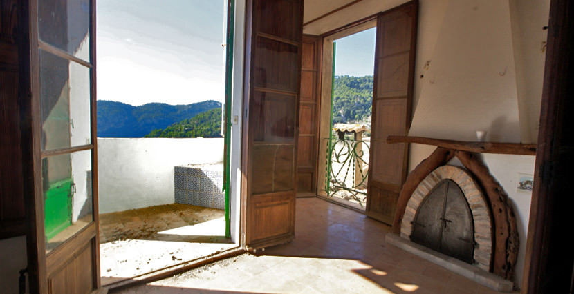 unique villas mallorca charming townhouse to be reformed for sale in Valldemossa third floor