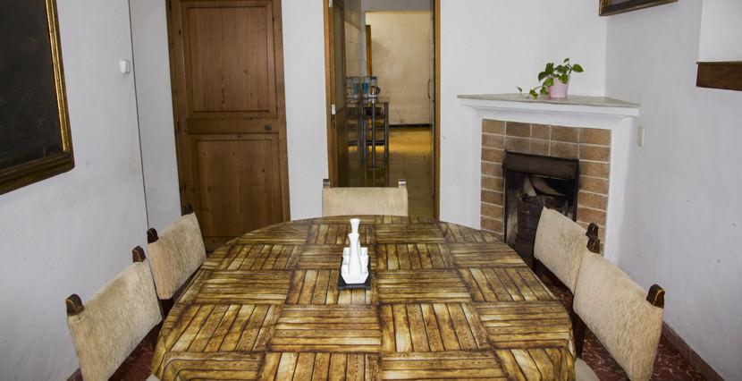 unique villas mallorca house for sale in El Terreno dining room
