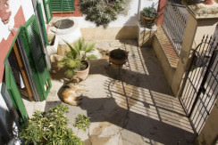 unique villas mallorca house for sale in El Terreno main entrance