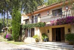 unique villas mallorca lovely villa to be reformed for sale in Son Vida entrance
