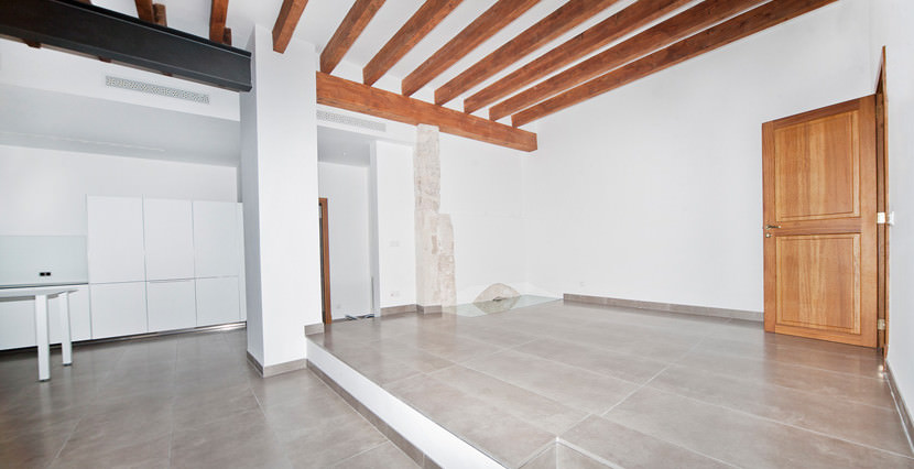 unique villas mallorca luxury ground floor apartment for Sale in Old Town Palma entrance