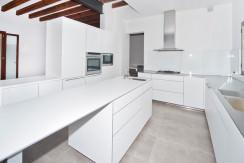 unique villas mallorca luxury ground floor apartment for Sale in Old Town Palma kitchen