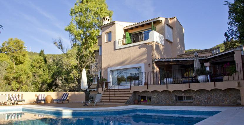 unique villas mallorca mediterranean villa for sale in Andratx swimming pool