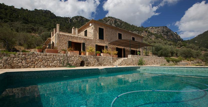 unique villas mallorca new build country house for sale in Valldemossa swimming pool