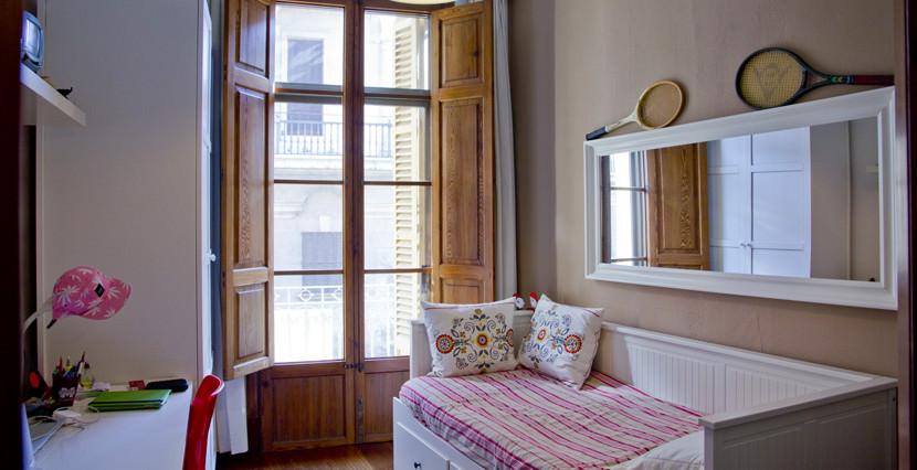 unique villas mallorca spacious apartment for sale in Palma old town bedroom 2