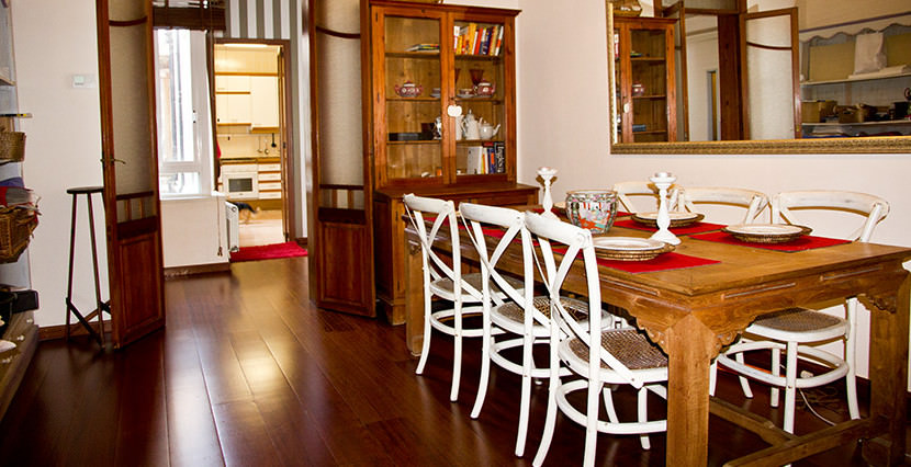 unique villas mallorca spacious apartment for sale in Palma old town dining area