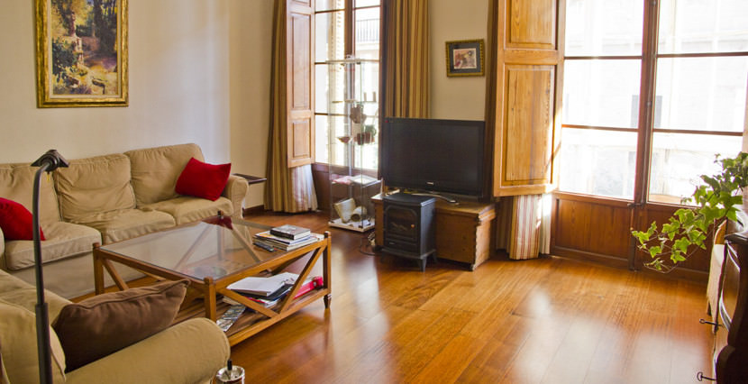 unique villas mallorca spacious apartment for sale in Palma old town living room