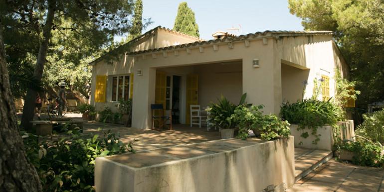 unique villas mallorca summer house for sale in Cala Ratjada porch area 2