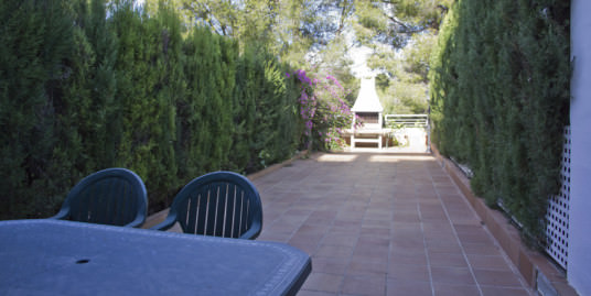 Three Storey Semi-Detached House for Sale in La Bonanova