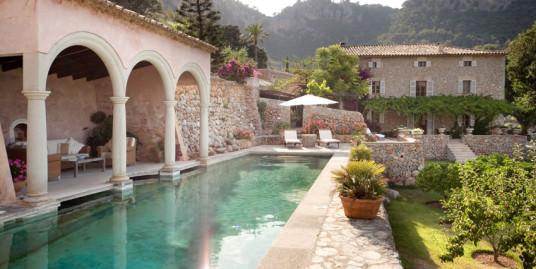 Beautiful 16th Century Historic Finca for Sale in Esporlas