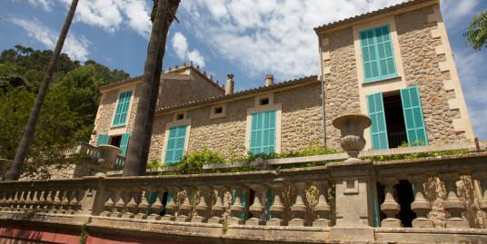 Magnificent Villa for Sale in Idyllic Valldemossa