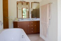 unique villas mallorca modern country house for sale in Alaro bathroom
