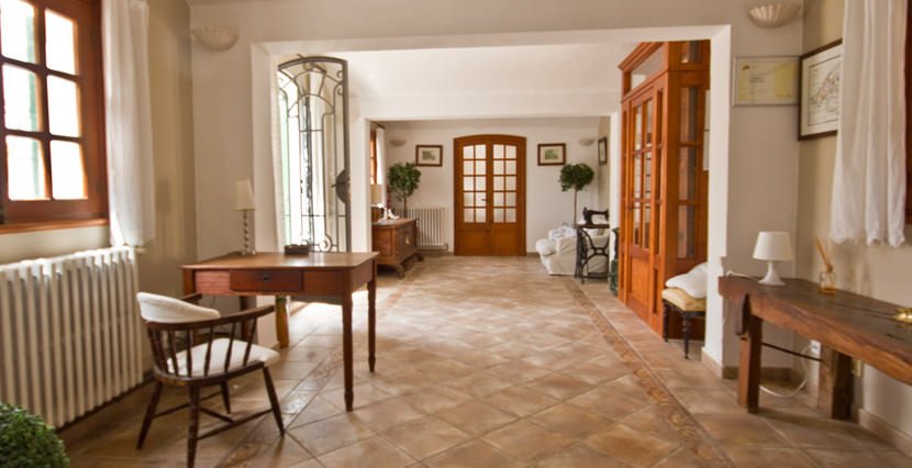 unique-villas-mallorca-modern-country-house-for-sale-in-Alaro-entrance2