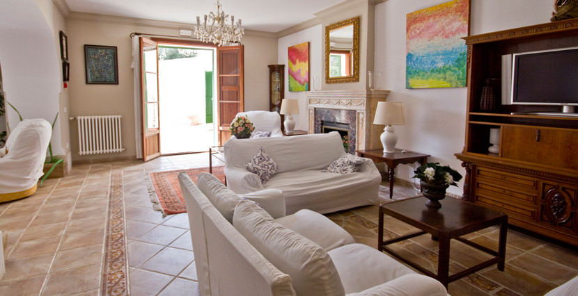 unique-villas-mallorca-modern-country-house-for-sale-in-Alaro-living-area