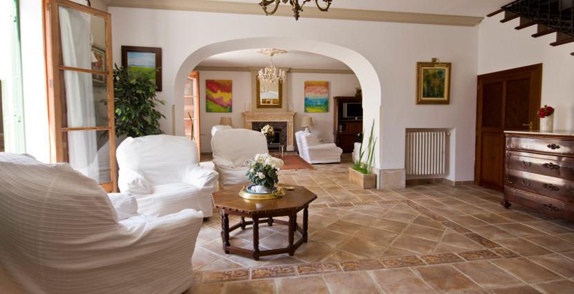 unique-villas-mallorca-modern-country-house-for-sale-in-Alaro-livingarea
