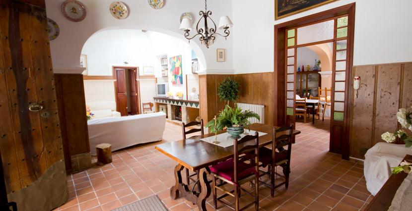 unique-villas-mallorca-modern-country-house-for-sale-in-Alaro-livingarea3