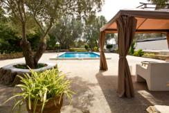 unique-villas-mallorca-modern-country-house-for-sale-in-Alaro-swimingpool