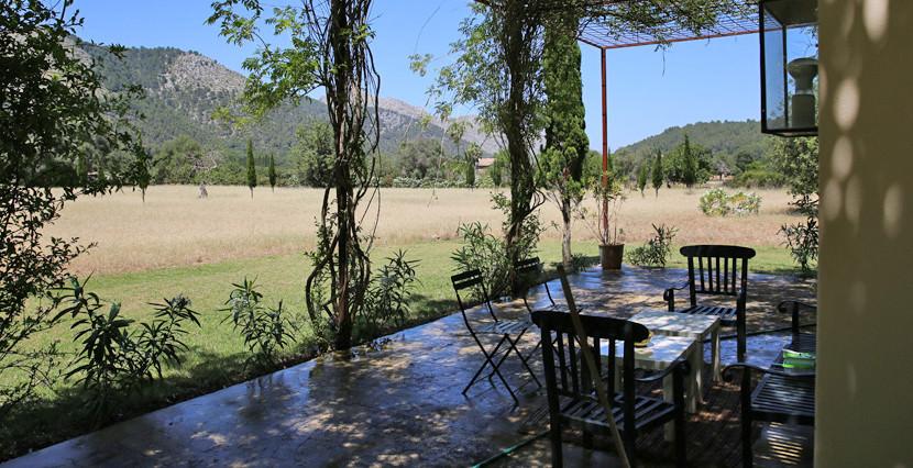 unique villas mallorca summer house for sale in Pollensa porch area