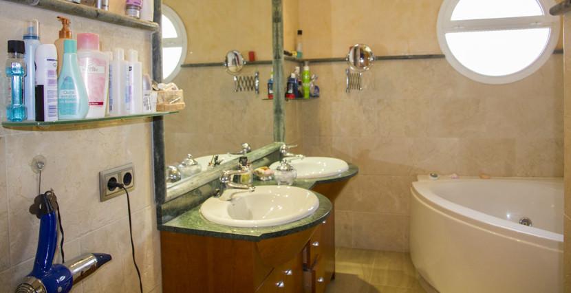 uniquevillasmallorca detached house for sale in son rapinya  bathroom
