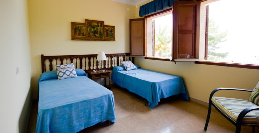uniquevillasmallorca-dream-villa-for-sale-in-son-veri-bedroom