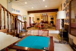 uniquevillasmallorca-dream-villa-for-sale-in-son-veri-living-room-