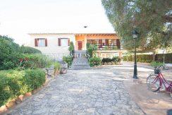 uniquevillasmallorca-elevated-house-for-sale-in-llucmajor.1
