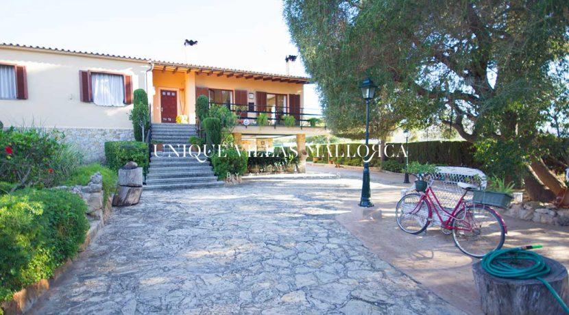 uniquevillasmallorca-elevated-house-for-sale-in-llucmajor.2
