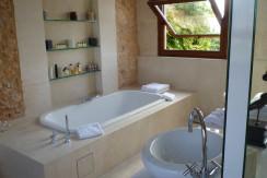 uniquevillasmallorca finca for sale in sencelles entrance bathroom