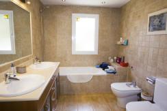 uniquevillasmallorca lovely villa for sale in cala vinyas bathroom