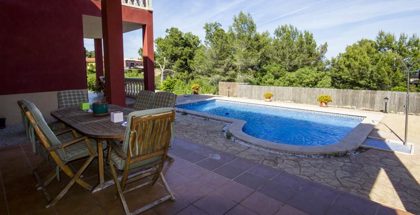 uniquevillasmallorca lovely villa for sale in cala vinyas porch area