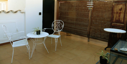 Sunny Apartment with Private Terrace for Sale in Old Town Palma-uvm125