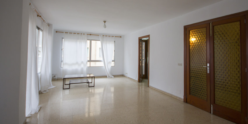 Bright Flat to renovate for Sale in Palma-uvm136