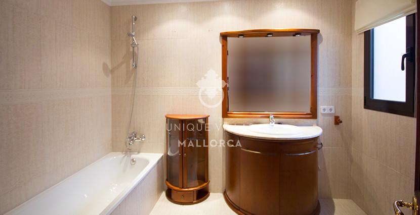 uniquevillasmallorca penthouse for sale in Avenidas bathroom 3