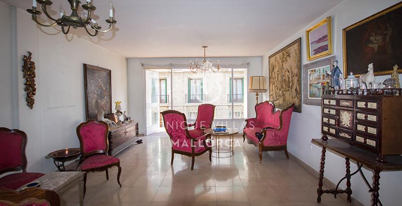 unique villas mallorca Flat to be Reformed for Sale in palma center living area 2