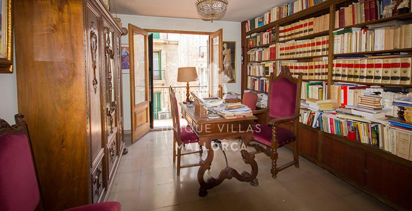 unique villas mallorca Flat to be Reformed for Sale in palma center living area