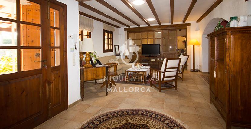 unique villas mallorca finca for sale in sencelles entrance