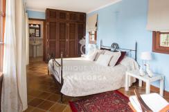 unique villas mallorca finca for sale in sencelles room 3