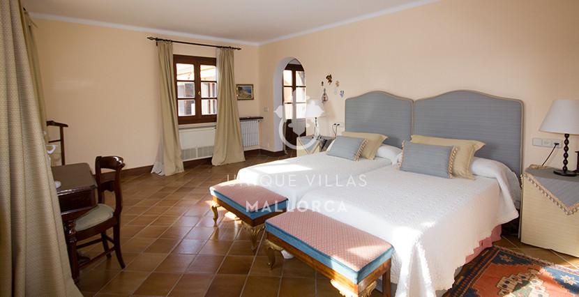 unique villas mallorca finca for sale in sencelles room 4