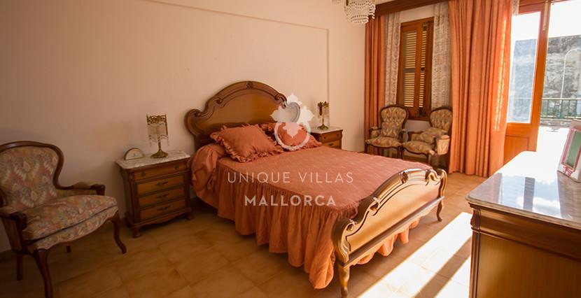 unique villas mallorca house for sale in Establiments bedroom