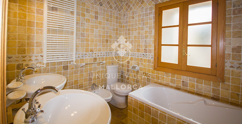 unique villas mallorca house for sale in La Bonanova bathroom