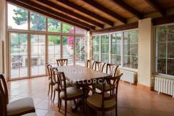 unique villas mallorca house for sale in La Bonanova dining area
