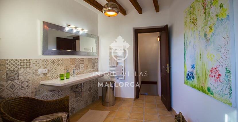 unique villas mallorca lovely townhouse for sale in valldemossa bathroom 2