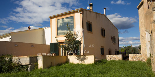 Sunny House with Garden For Sale in Establiments