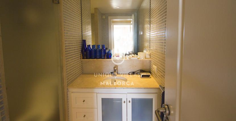 uniquevillasmallorca ground floor for sale in La Bonanova bathroom