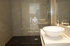 uniquevillasmallorca reformed flat for sale in Palma center bathroom