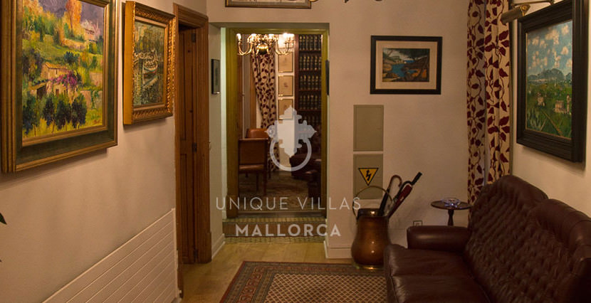 Flat with Character for Sale in Palma Center-uvm130a living area 2