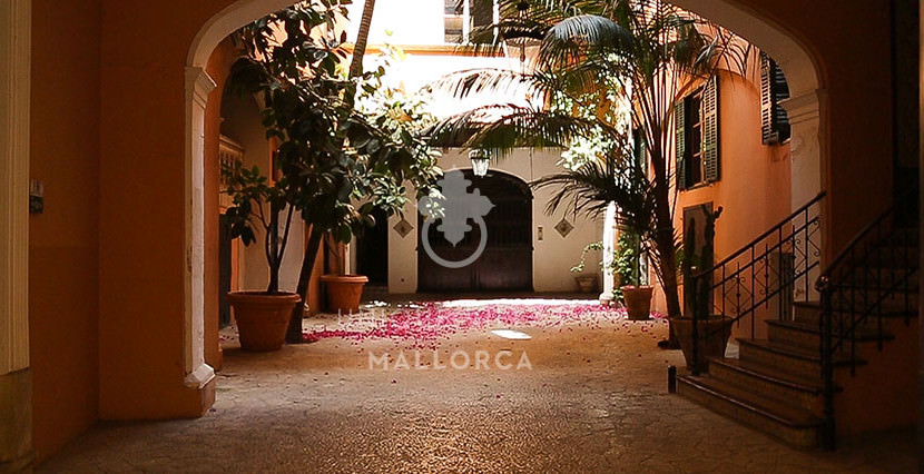 Flat with Character for Sale in Palma Center-uvm130a patio